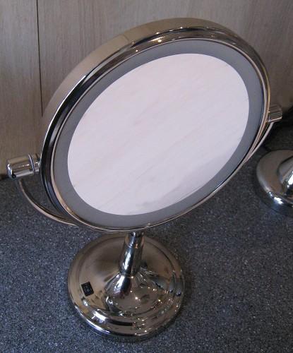 Kosmetikspiegel mit Batterie und LED  - Beleuchtung by Bavaria Bäder-Technik GdbR
